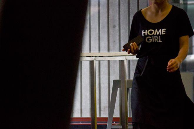home-cafe-home-girl