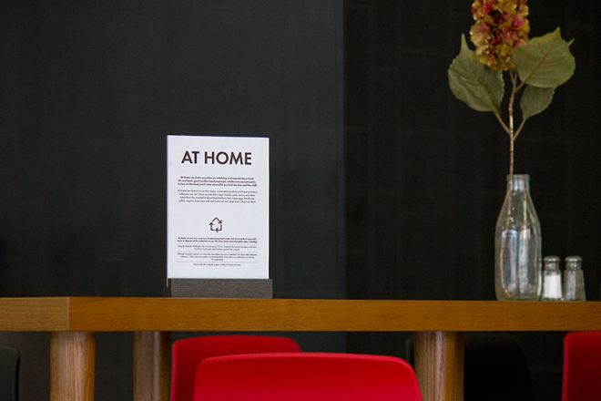 home-cafe-table-talker